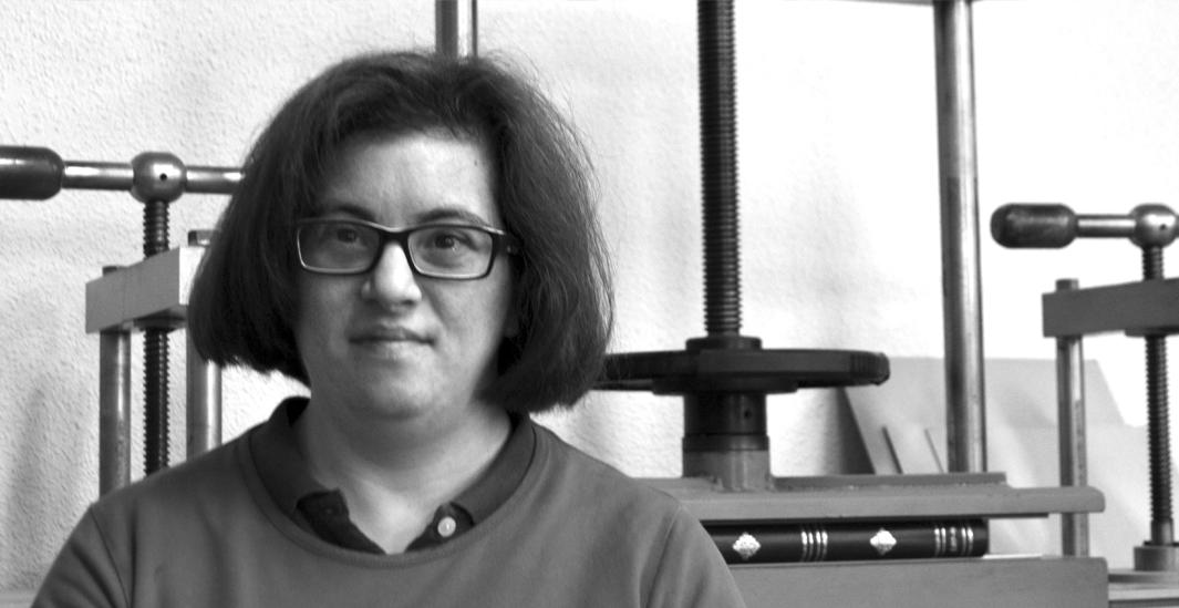 Alicia, miembro del equipo de entintado de Picogordo